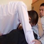 【ゲイ動画 xvideos】熊系サラリーマンが真昼間から仕事をさぼってホモSEX!ヤりたくて仕方がないのかスーツも脱がずに即合体!