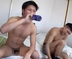 【ゲイ動画 xvideos】お酒で泥酔させて寝ている男友達のチンポをぱっくん!!完全寝落ちしてる身体とアナルにやりたい放題!!