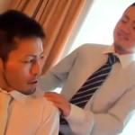 【ゲイ動画 pornhub】隠れホモ後輩リーマンがダンディな上司をマッサージ!たまらず勃起したチンポを使ってのアナルファック!