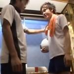 【ゲイ動画 pornhub】部室で犯されたノンケバレー部員!二人きりの部室でゲイコーチに強制的にマッサージされアナルSEXに発展!