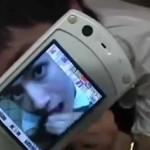 【ゲイ動画 xvideos】バレたら即逮捕!?すぐ横から子供の声がする児童公園の個室トイレでガチンコゲリラ撮影!!