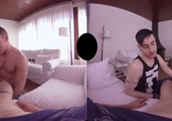 【ゲイ動画無料】マッチョな兄貴2人かかりで勃起したチンコをおさめてくれるハーレム3Pw