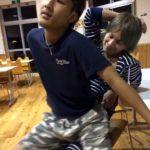【twitter動画】「俺の腰つきエロくない?w」するとノンケの友人がまさか・・・w