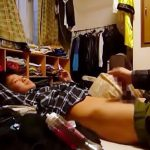 【無修正ゲイ動画 xvideos】性に目覚め始めた中学生の少年が友達に頼み込んで男同士の手コキ体験をこっそり盗撮w