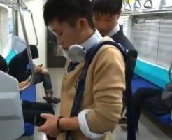 【ゲイビ無料】電車で好みの可愛いDKを見付け痴漢するイケメンリーマン。男に触られ気持ち悪いと思いつつも股間を勃起させているのがバレてしまい電車内で押し倒されケツ穴凌辱される・・