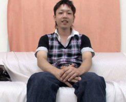 【無修正ゲイ動画】バンドマンの素人ノンケが普段どおりのオナニーを公開!胸元にまで飛び散るイケメンの精子!
